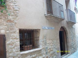4 bedroom Manor house with Internet Access in Alquezar - Alquezar vacation rentals