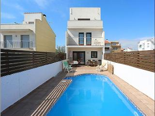 11 de Setembre 23-Views to the Sea - L'Ametlla de Mar vacation rentals