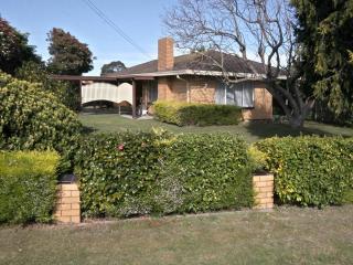 Jacaranda House, Paynesville, Victoria, Australia - Paynesville vacation rentals