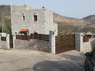 Beautiful Peloponnese Cottage rental with Grill - Peloponnese vacation rentals