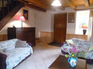 Nice Gite with Internet Access and Television - Saint-Martin-le-Redon vacation rentals
