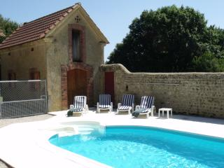 Nice Farmhouse Barn with Internet Access and Satellite Or Cable TV - Luc-Armau vacation rentals