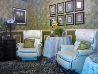 Luxury Antique Style on the Intracoastal (w/cats) - Lantana vacation rentals