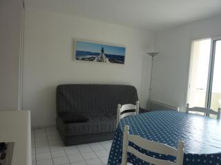 Face mer, coquet appartement de 30 m² - Batz-sur-Mer vacation rentals