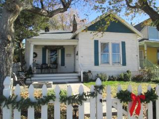 The Hill Top Cottage-historic Downtown Farm House - 141 Alarcon St. - Prescott vacation rentals