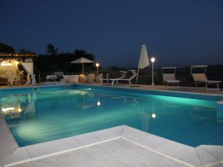 Lovely Villa in Sant'Omero with Internet Access, sleeps 6 - Sant'Omero vacation rentals