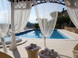Charming 2 bedroom Villa in Sant'Omero - Sant'Omero vacation rentals
