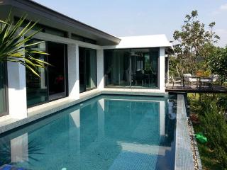 Modern villa with pool in Khao Yai - Kham Sakaesaeng vacation rentals