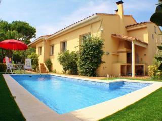 CB364 -  Quality villa with pool - Calella De Palafrugell vacation rentals