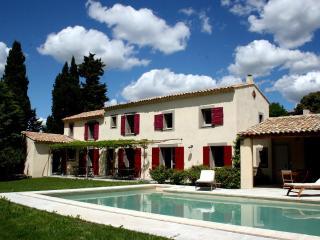 JDV Holidays, Villa St Fernandiere, Provence - L'Isle-sur-la-Sorgue vacation rentals
