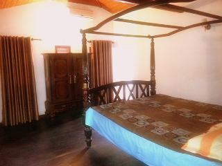 Tuskers Valley. Holiday Bungalow in Pallebadda. 1500Rs per night for 10 people - Sabaragamuwa Province vacation rentals