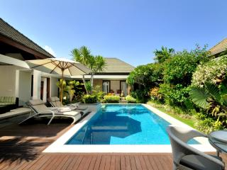 Luxury Beachfront Complex : KEJORA VILLA 7: Cool Bali Villas - Sanur vacation rentals