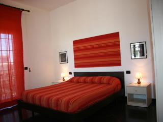 Comfortable house with 4 double rooms 100mt from t - Palermo vacation rentals