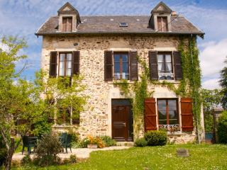 4 bedroom Farmhouse Barn with Internet Access in Savignac-Ledrier - Savignac-Ledrier vacation rentals