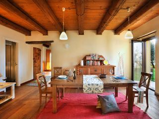6 bedroom Farmhouse Barn with Internet Access in Montefano - Montefano vacation rentals