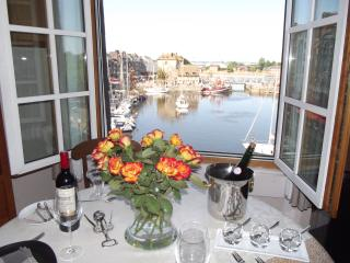 HONFLEUR-FESTIVE DECOR- VIEW n°1- COMFORT- Secure WIFI- VOD Linen, Cleaning inc. - Honfleur vacation rentals