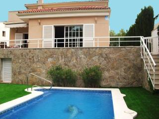 CD360 - Nice villa located between vineyards - Canyelles vacation rentals
