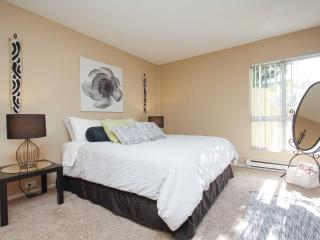Relax, Luxurious Resort Style 1BR. Newport Beach - Newport Beach vacation rentals