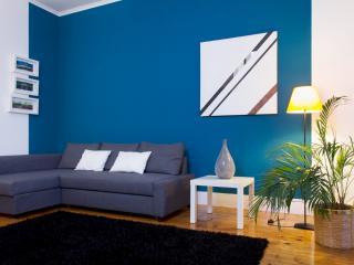 Classic apartment, garden view - IRRESISTABLE! - Lisbon vacation rentals
