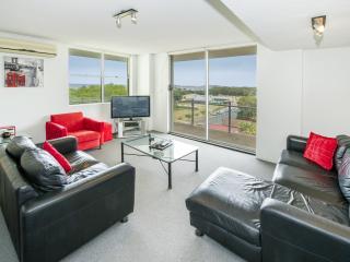 2 bedroom Condo with Elevator Access in Coffs Harbour - Coffs Harbour vacation rentals