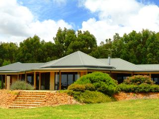 Bright 4 bedroom House in Yallingup with Television - Yallingup vacation rentals
