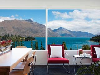 Casa Vista, Luxury Queenstown Apartment - Queenstown vacation rentals