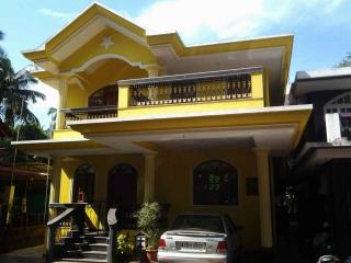 Lovely 13 bedroom Guest house in Betalbatim - Betalbatim vacation rentals