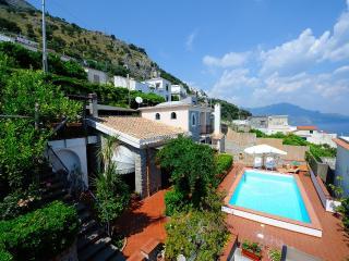 2 bedroom Condo with Internet Access in Conca dei Marini - Conca dei Marini vacation rentals