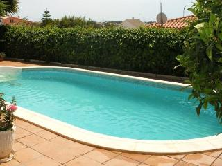 CD381 - House specially located to enjoy the sun - Roda de Bara vacation rentals