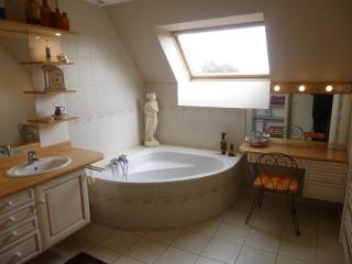 Cozy 2 bedroom B&B in Falaise - Falaise vacation rentals