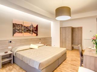 Vatican Rooms Cipro- GuestHouse Vaticano Jubilee - Vatican City vacation rentals