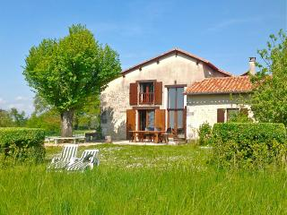 House in Lusignac, Dordogne. Pool & tennis - Bouteilles-Saint-Sebastien vacation rentals