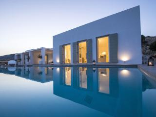 Luxury & modern Villa Alkmini with private pool - Drios vacation rentals