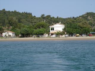 A 30 km d'Olympie, direct sur plage - Katakolo vacation rentals