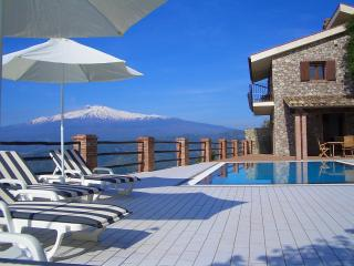 Villa in peaceful location. Breathtaking views. - Taormina vacation rentals