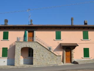 Ca' Baruffi a Lizzano in Belvedere - Lizzano in Belvedere vacation rentals