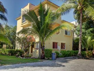 Great Value, steps from the beach 4 bedroom home, - Playa del Carmen vacation rentals