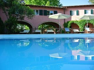 Le Versegge - Three rooms apartment superior - Braccagni vacation rentals