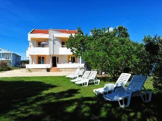 Villa Punta, beach apartment for 6 persons - Privlaka vacation rentals
