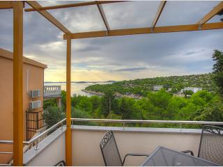Cozy and neat apartment with a sea view - Murter - Murter vacation rentals