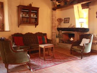 Nice 2 bedroom Farmhouse Barn in San Giovanni d'Asso - San Giovanni d'Asso vacation rentals