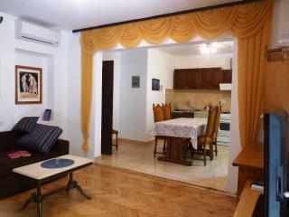 Sea view balcony, terrace, living room, 4+3persons - Jelsa vacation rentals