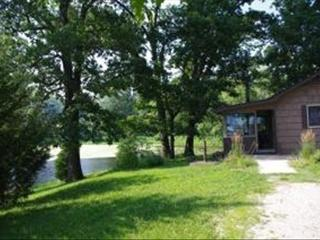 Bungalow on a Lake Near St Louis Mo - Illinois vacation rentals