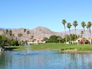 Lakeside in La Quinta Pristine 2/2 /w Amazing View - La Quinta vacation rentals