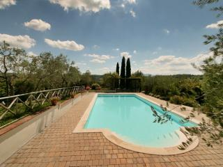 La Lucciola, Luxury family friendly cottage - Citta della Pieve vacation rentals