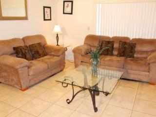 Cozy 3 Bedroom 2 Bath Villa close to Disney. 2073 - Orlando vacation rentals