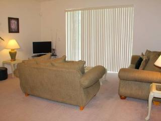 Gated 4 Bedroom 2 Bathroom Pool Home in Kissimmee. 3411 - Orlando vacation rentals