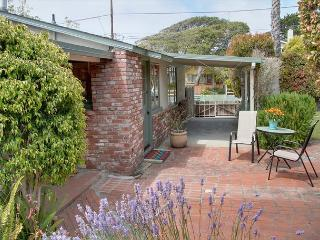 3458 Tranquility Cottage ~ Charming, Close to Town, Fully Equipped Kitchen! - Pacific Grove vacation rentals