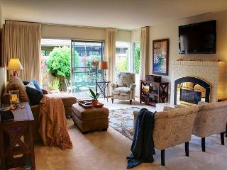 3509 Seabreeze ~ Walk to the Beach! Artist's Home! Plush Beds! - Pacific Grove vacation rentals