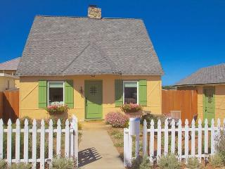 3612 Storybook Cottage ~ Charming Updated Vintage Cottage! Plush Beds! - Pacific Grove vacation rentals